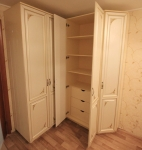 Шкафы распашные 7
